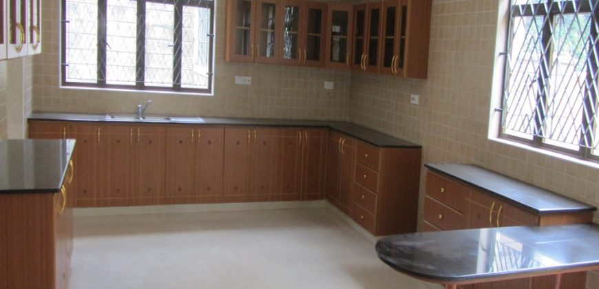 5-bedroom Townhouse for Rent in Lavington (2 units)